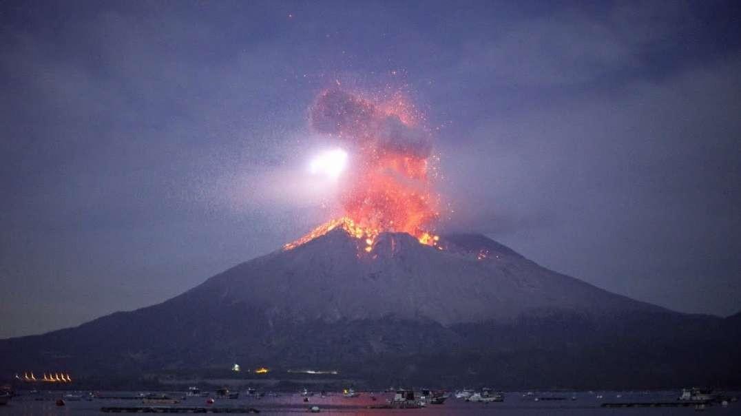 فوران کوه آتش فشان